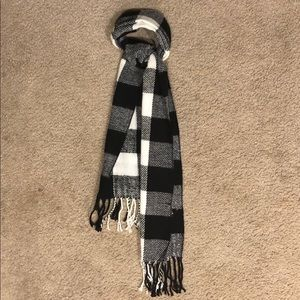 Accessories - Checkered scarf
